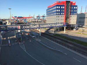 Zustandsfeststellung der oberirdischen Stahlbeton-Unterbauten einer Fußgängerbrücke